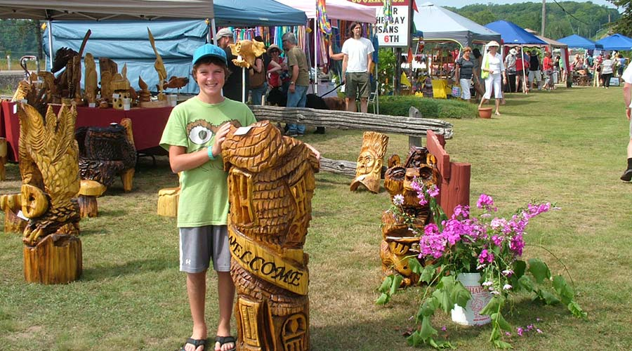 art-at-the-bay-voyageurs-feature